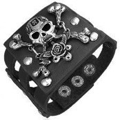 Bracelet with skull and leather.