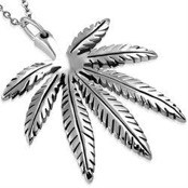 "Necklace in Stainless Steel ""Marihuana"""
